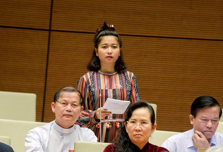 Thủ tướng trả lời chất vấn nữ ĐBQH Ksor H'Bơ Khăp về văn hóa từ chức - Ảnh 2.