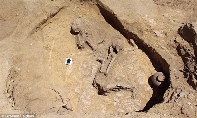 """Khai quật ngôi mộ cổ 2.000 năm tuổi của """"nàng công chúa ngủ trong rừng"""" - Ảnh 1."""