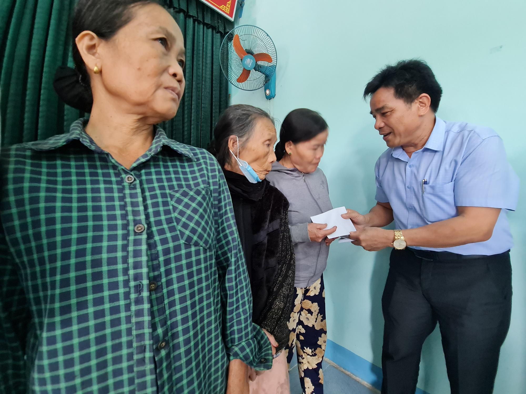 Phó Bí thư Quảng Nam: Đau xót khi nhìn nhà dân, cây ăn quả ngã đổ - Ảnh 3.