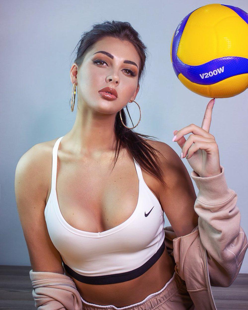 """VĐV bóng chuyền gợi cảm, được khen """"nữ thần"""" của làng thể thao - Ảnh 7."""