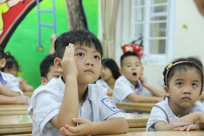Học sinh tiểu học Việt Nam đứng đầu 6 nước ASEAN về môn Toán, Đọc hiểu và viết - Ảnh 2.