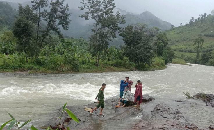 Thông tin mới nhất về 45 người bị kẹt ở Khánh Hòa - Ảnh 1.