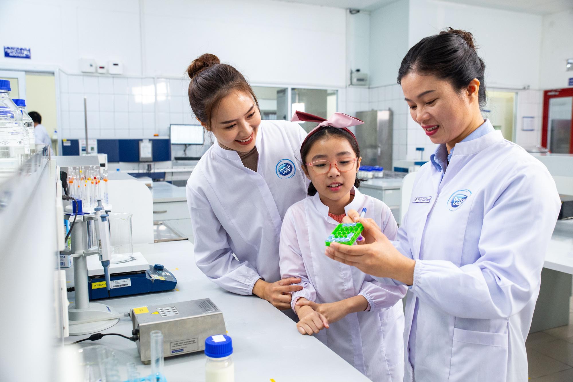 FrieslandCampina Vietnam nhận giải thưởng Trao quyền cho Phụ nữ khu vực châu Á – Thái Bình Dương - Ảnh 4.