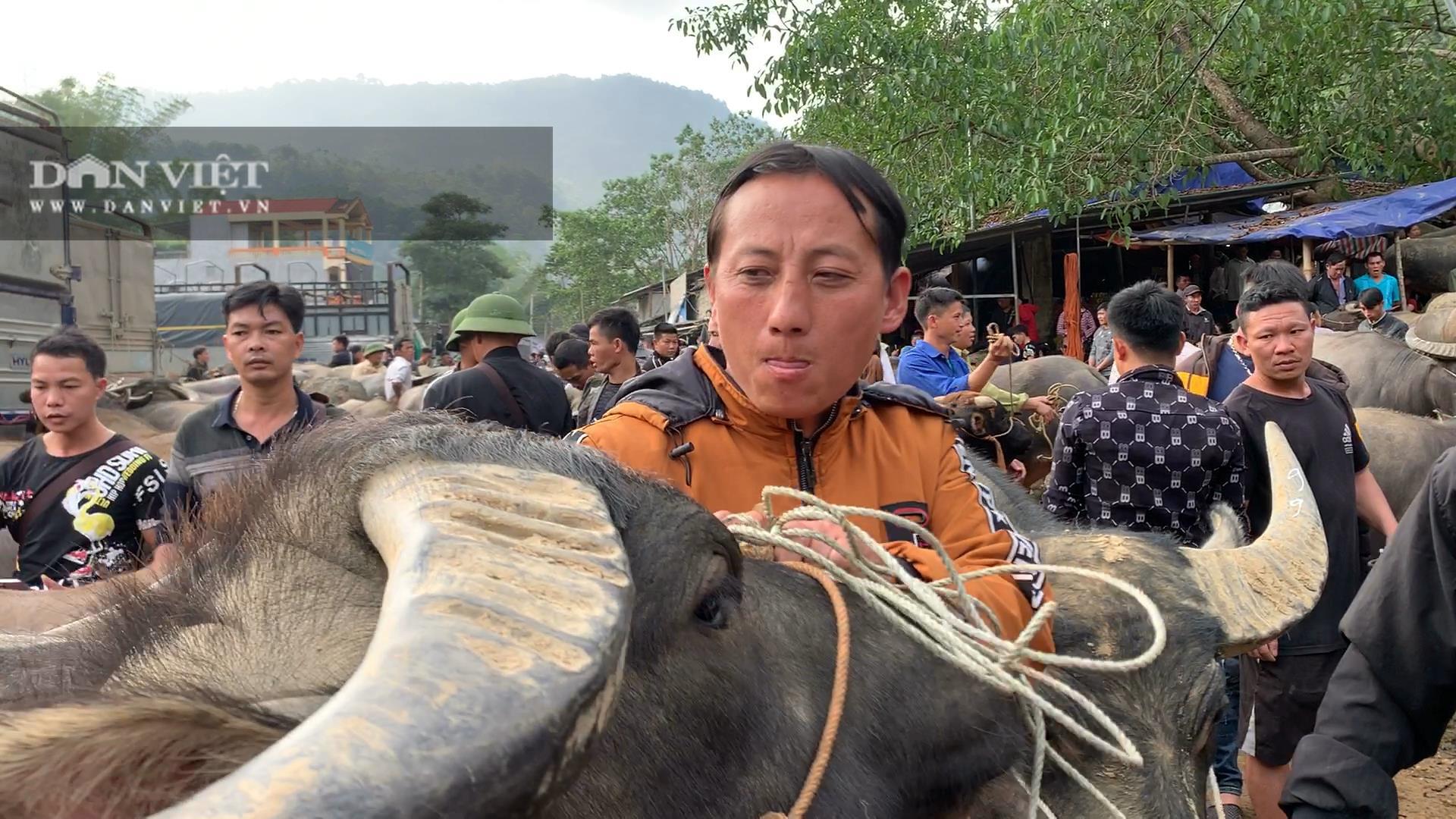 Bắc Kạn: Nguy cơ mất an toàn tại chợ trâu, bò Nghiên Loan - Ảnh 3.