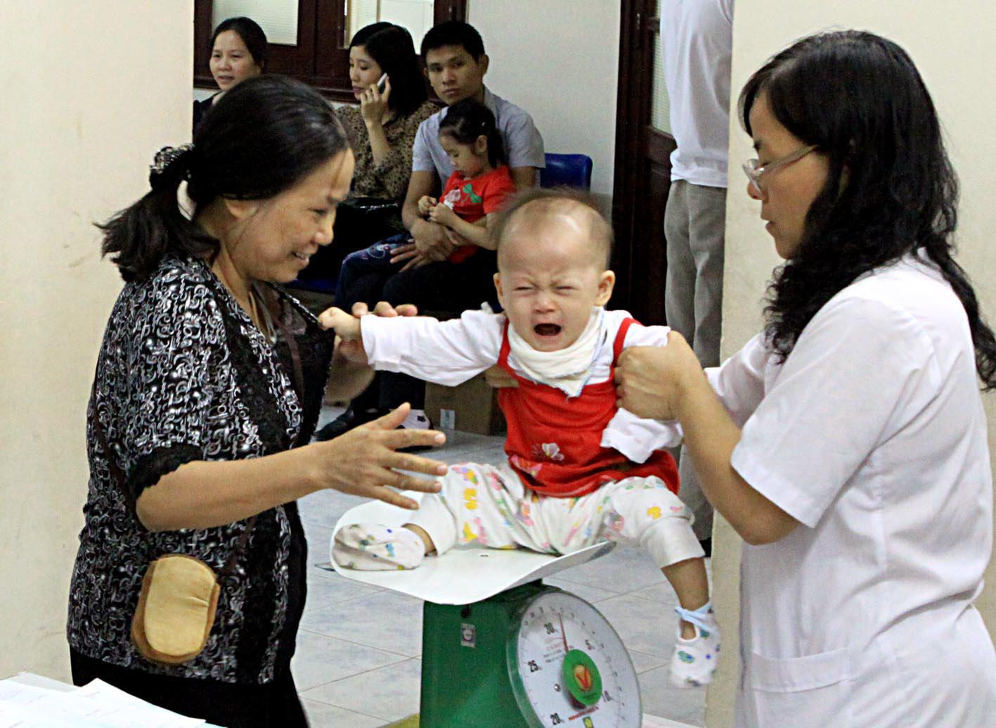 """Trẻ em Việt """"đói"""" vitamin, lười hoạt động - Ảnh 1."""