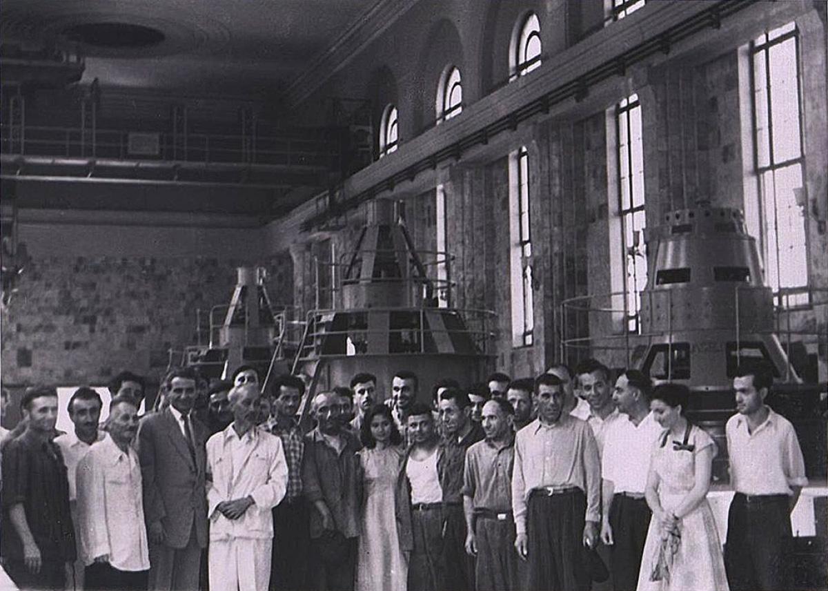 Loạt ảnh quý hiếm về Chủ tịch Hồ Chí Minh thăm Armenia - Ảnh 4.