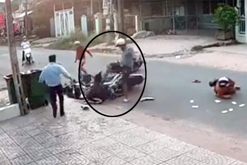 """Vụ đánh nữ sinh sau va chạm giao thông: """"Con trai tôi sai lầm rồi!"""" - Ảnh 2."""