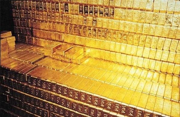 Bí ẩn kho báu 16 tấn vàng chôn ở sa mạc biến mất kỳ lạ - Ảnh 1.