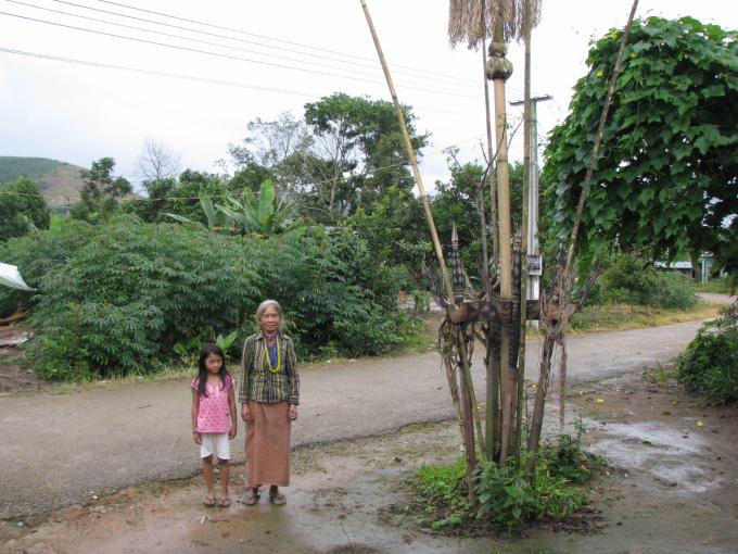 Ở Việt Nam có tộc người huyền bí nơi một tiếng gà gáy 3 nước cùng nghe - Ảnh 3.