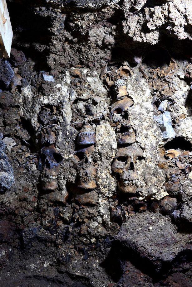 Phát hiện kinh hãi trong ngôi đền cổ khiến giới khoa học bối rối - Ảnh 2.