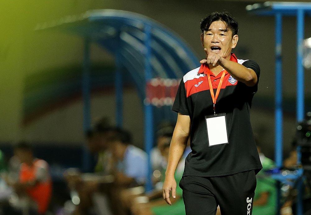 HLV Phan Thanh Hùng ra điều kiện ở lại với Than Quảng Ninh - Ảnh 1.