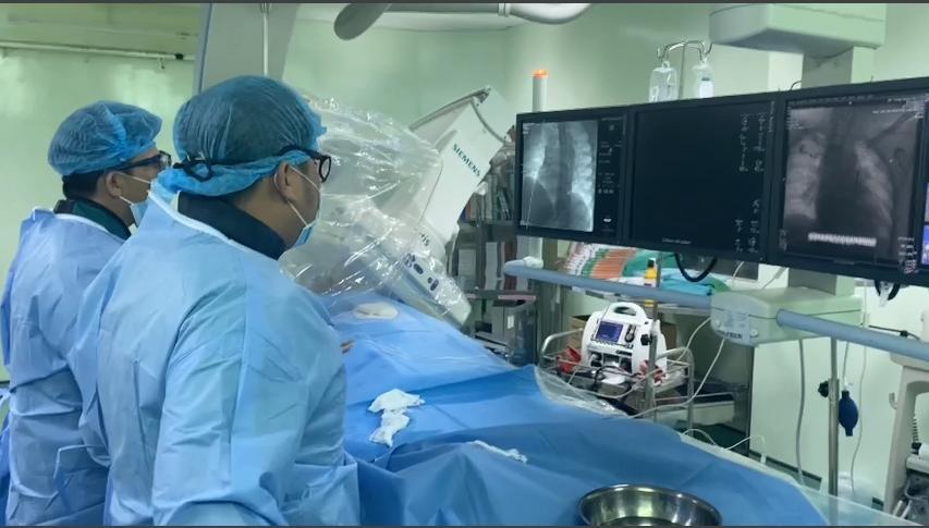 Bệnh viện Đa khoa Trung ương Cần Thơ: Trong hai ngày cứu sống 10 bệnh nhân nhồi máu cơ tim cấp - Ảnh 1.