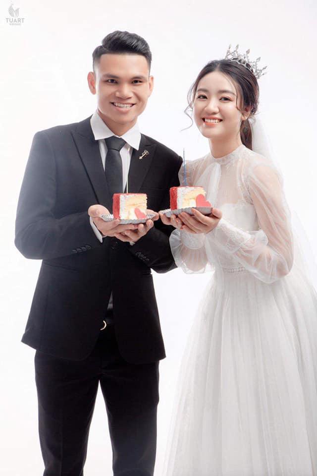 """Vợ tương lai của cầu thủ """"nghèo"""" nhất ĐT Việt Nam: Xinh hết phần người khác - Ảnh 12."""
