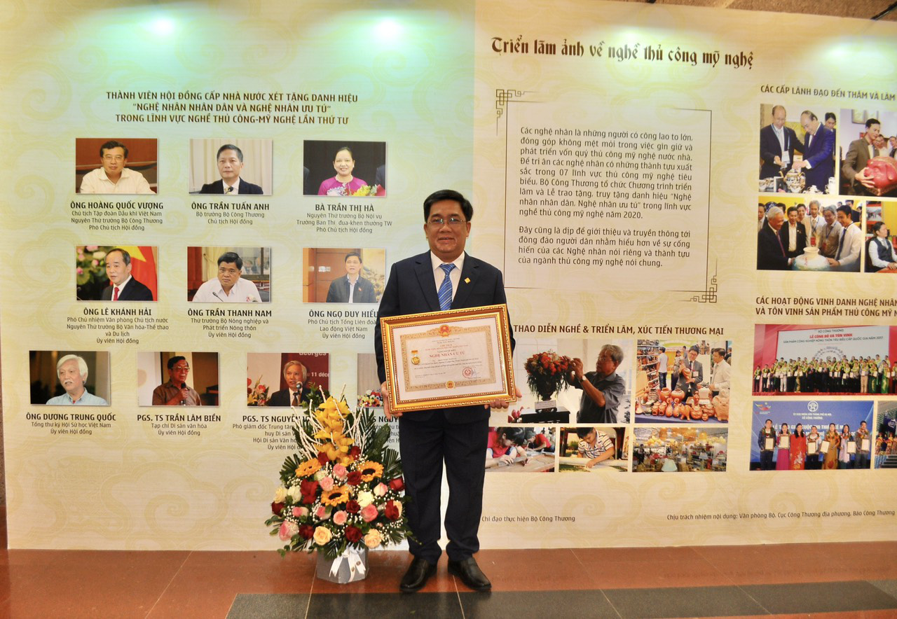 PNJ vinh dự có 6 nghệ nhân được trao tặng danh hiệu nghệ nhân ưu tú ngành Kim Hoàn - Ảnh 6.