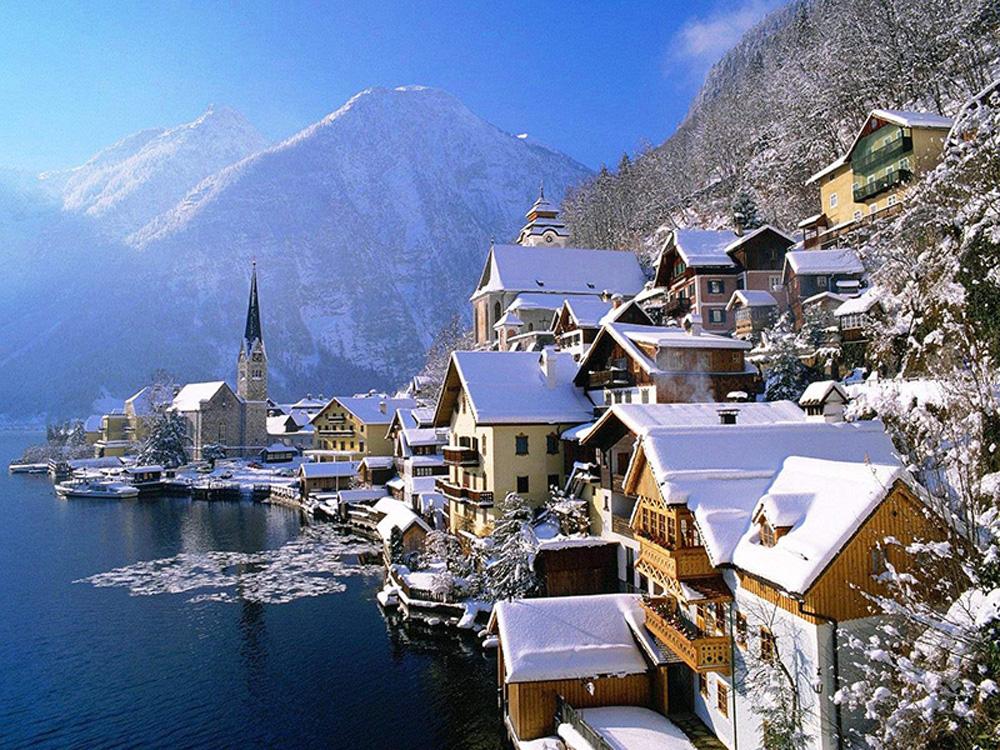 Làng cổ 7.000 năm tuổi Hallstatt đẹp mê mẩn vào mùa đông - Ảnh 1.