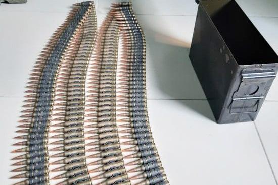Chủ đại lý ve chai mua trúng thùng đạn 200 viên - Ảnh 1.