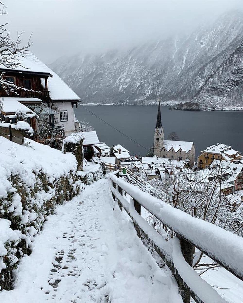 Làng cổ 7.000 năm tuổi Hallstatt đẹp mê mẩn vào mùa đông - Ảnh 5.