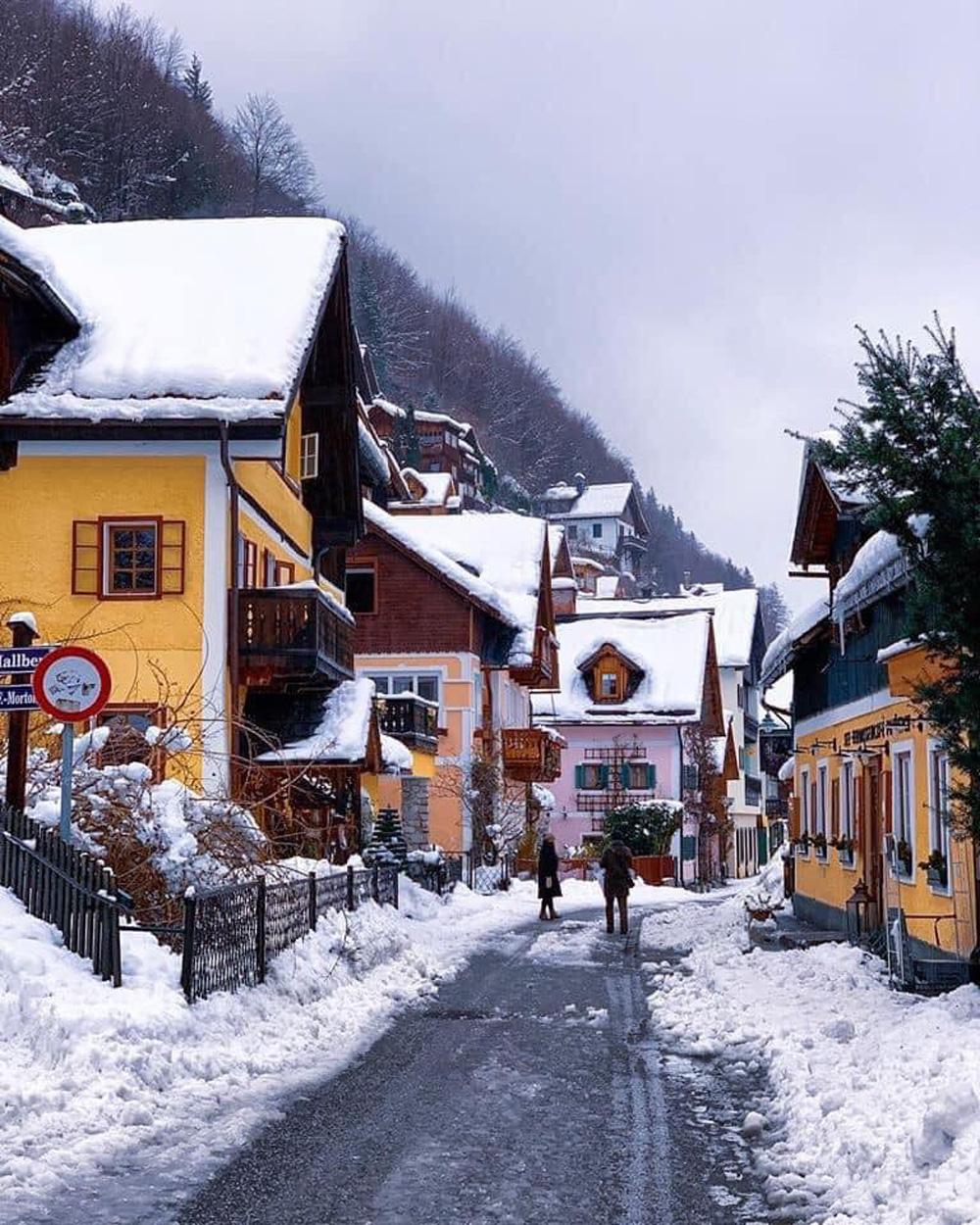 Làng cổ 7.000 năm tuổi Hallstatt đẹp mê mẩn vào mùa đông - Ảnh 7.
