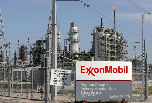 Khủng hoảng ập đến với gã khổng lồ dầu mỏ Mỹ ExxonMobil - Ảnh 1.
