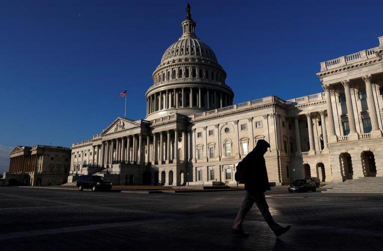 Lưỡng đảng Mỹ còn 48 giờ chạy đua cuối cùng để gỡ nguy cơ đóng cửa Chính phủ - Ảnh 1.