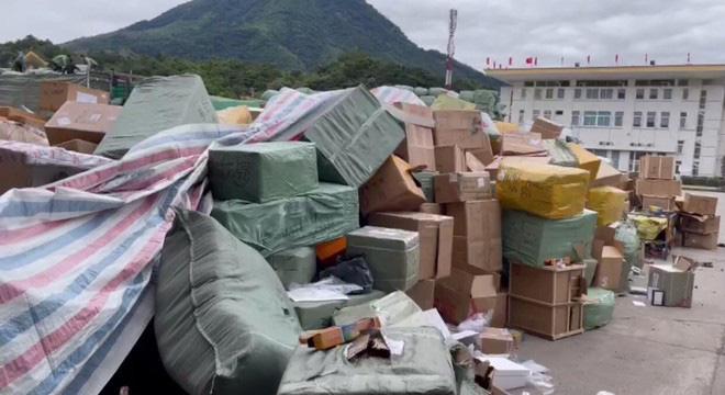 Triệt phá đường dây buôn lậu khủng qua biên giới với Trung Quốc: Lộ diện kẻ cầm đầu - Ảnh 1.