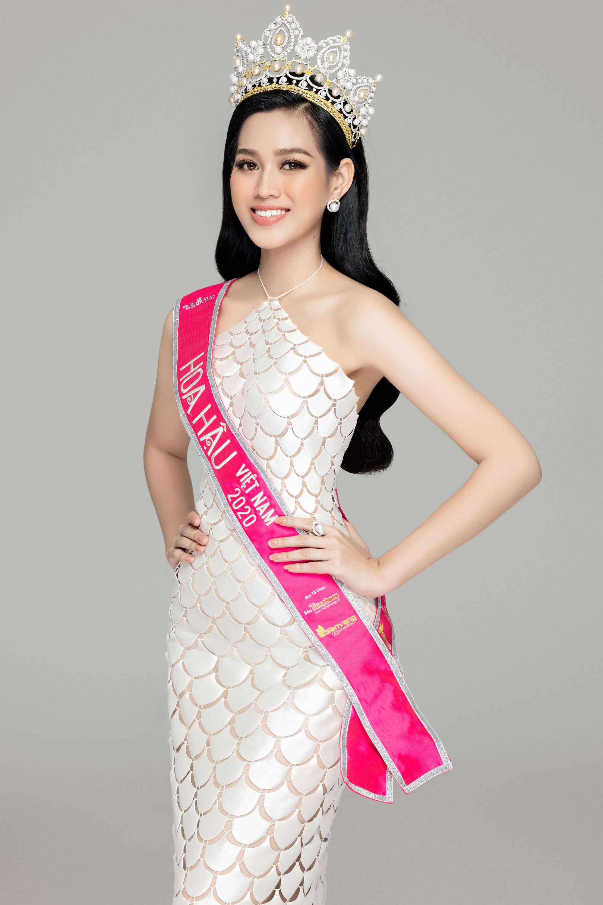 """Hoa hậu Đỗ Thị Hà: """"19 tuổi đăng quang, không phải là áp lực"""" - Ảnh 2."""