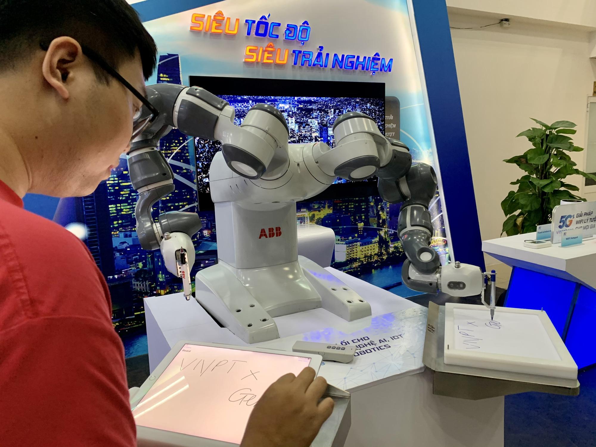 VNPT chính thức công bố vùng phủ sóng VinaPhone 5G tại Hà Nội và TP. Hồ Chí Minh - Ảnh 4.