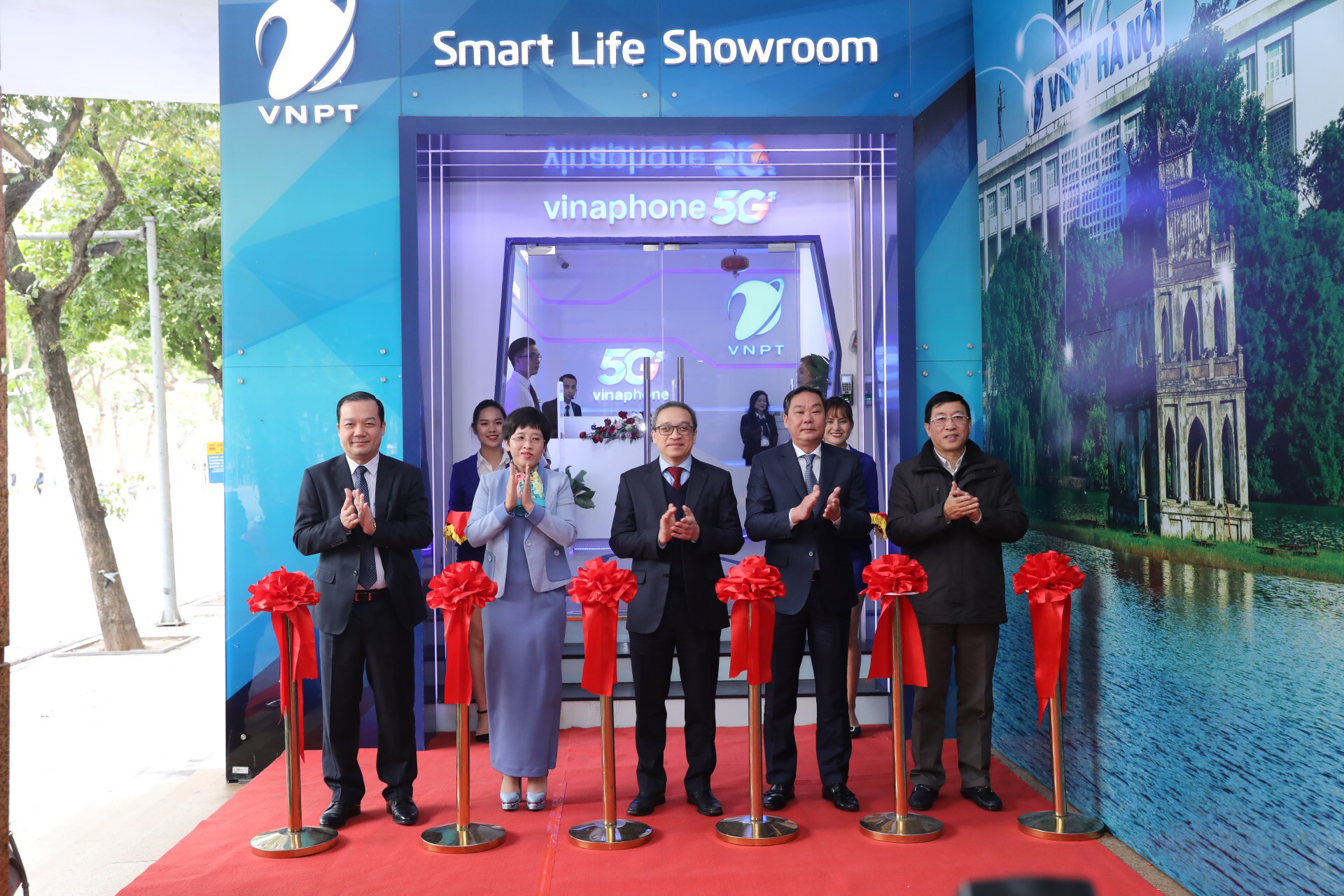 VNPT chính thức công bố vùng phủ sóng VinaPhone 5G tại Hà Nội và TP. Hồ Chí Minh - Ảnh 2.