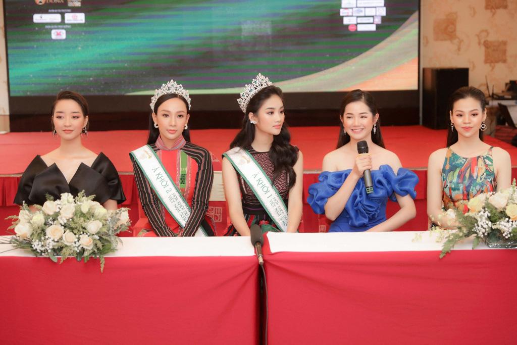 """Hai Á khôi """"Miss Tourism"""" bày tỏ quan điểm về việc không có hoa khôi - Ảnh 4."""