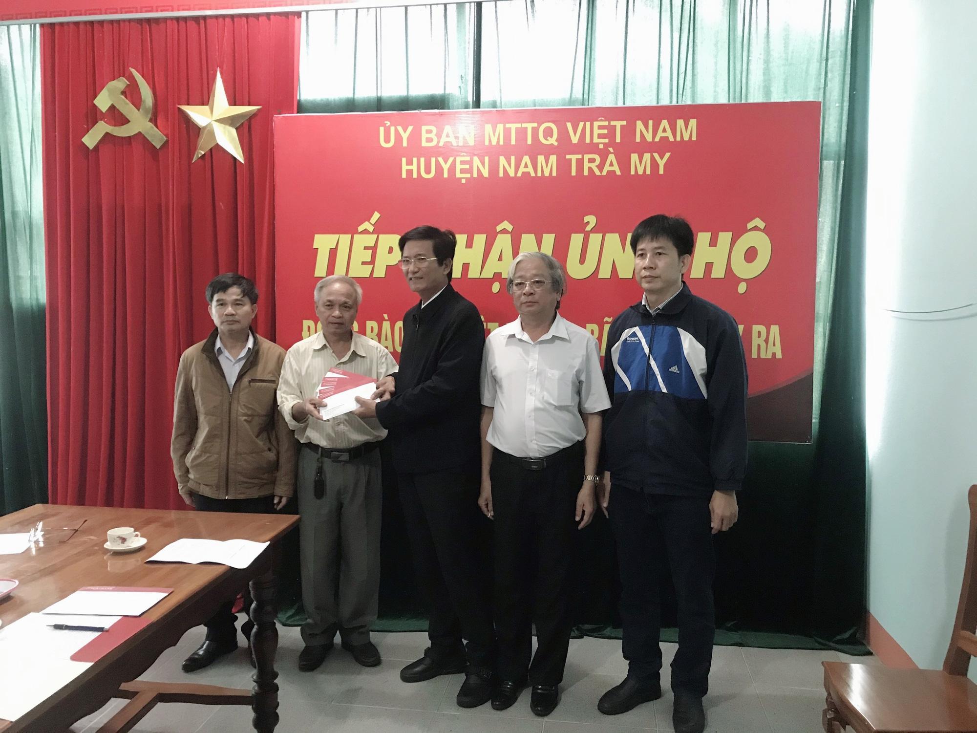 Agribank: Tiểu ban Chỉ đạo chương trình PTTN khu vực Tây Nam bộ hỗ trợ đồng bào chịu ảnh hưởng bão, lũ tại Quảng Bình - Ảnh 3.