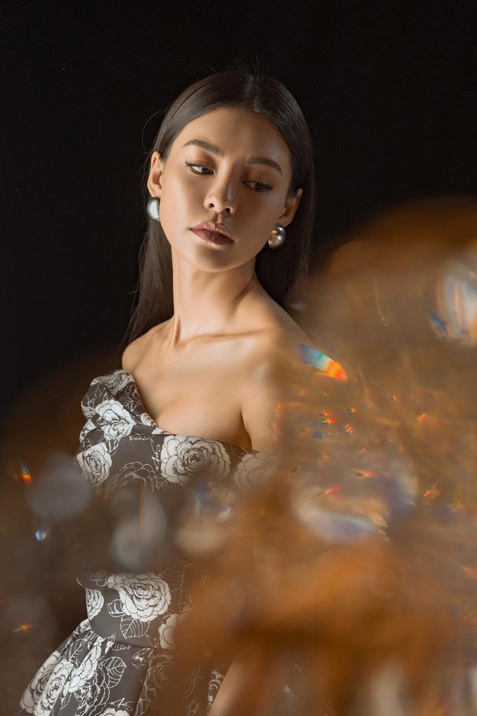 """Bùi Lan Hương ra mắt nhạc phim, hé lộ một vài phân cảnh xa hoa trong """"Gái già lắm chiêu 5"""" - Ảnh 1."""