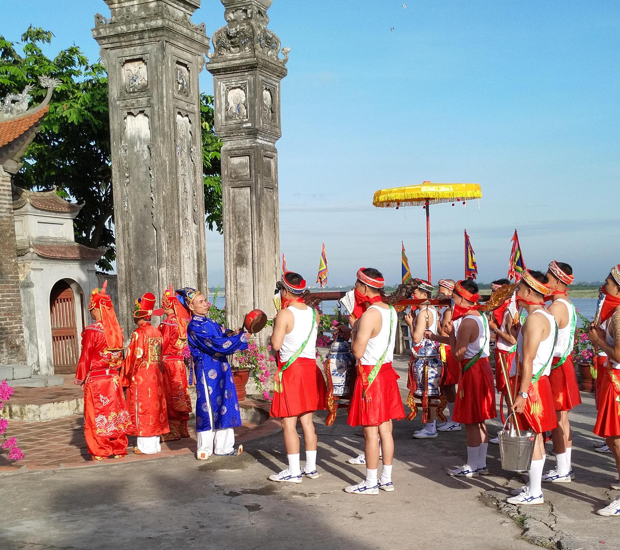 Kể chuyện làng: Làng Chèm có ngôi đình cổ nhất Việt Nam - Ảnh 1.