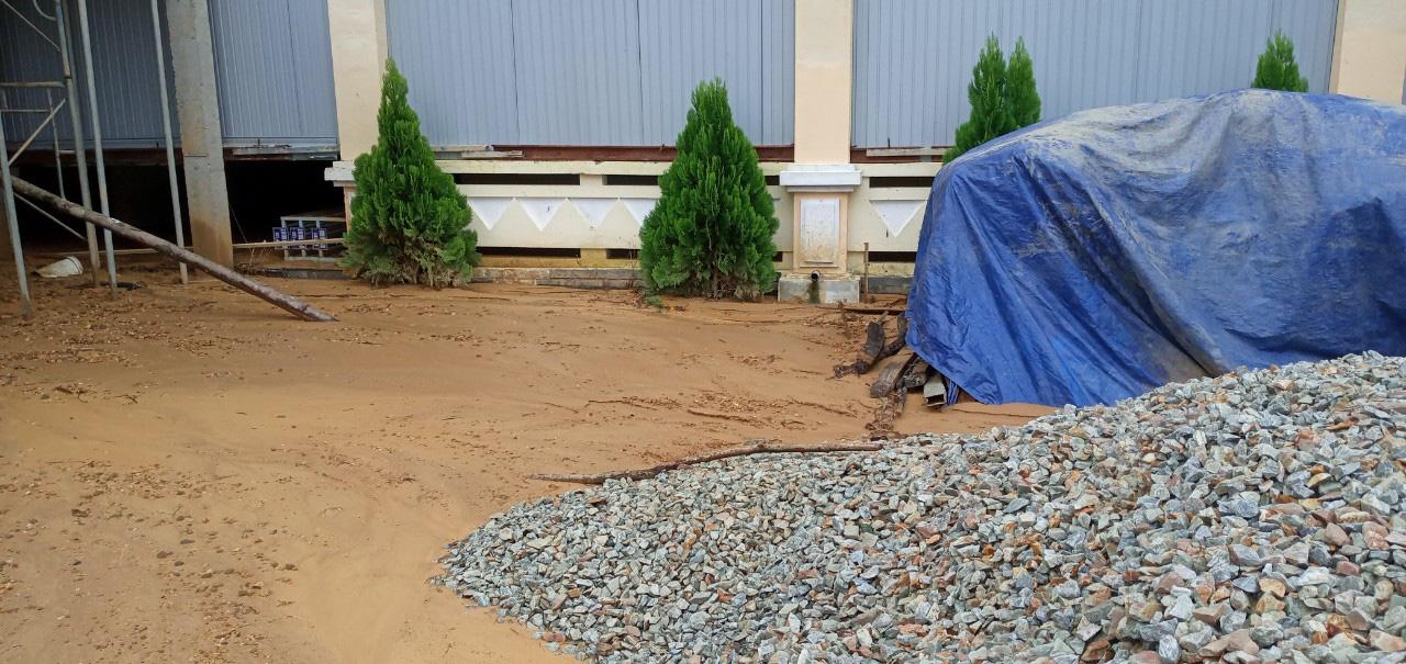 Quảng Nam: Trường 24 tỷ đồng không dám cho học sinh học vì bị sạt lở - Ảnh 6.