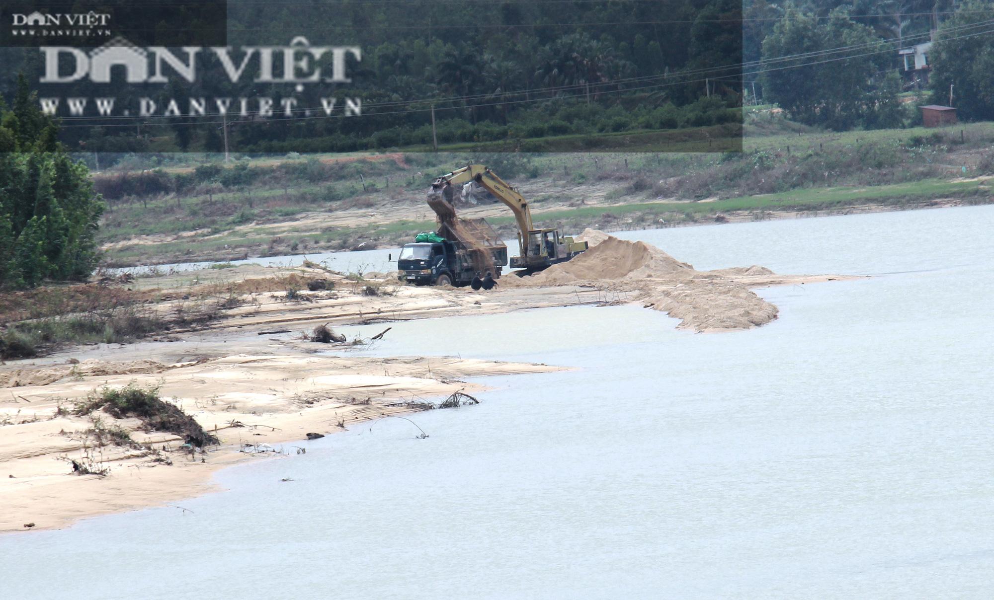 Khai thác cát bất chấp quy định của Chủ tịch tỉnh Bình Định: Giám đốc Sở TNMT lên tiếng - Ảnh 2.