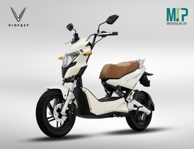 Tin xe HOT tuần qua: VinFast hợp tác cùng Sơn Tùng M-TP, lộ diện mẫu ô tô mới của tỉ phú Phạm Nhật Vượng - Ảnh 1.