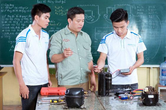 Đào tạo gắn với việc làm - kinh nghiệm từ ASEAN - Ảnh 1.