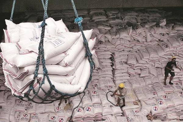 Giá gạo xuất khẩu Việt Nam tăng cao nhất 9 năm, nói lí do ai cũng phải bất ngờ - Ảnh 1.