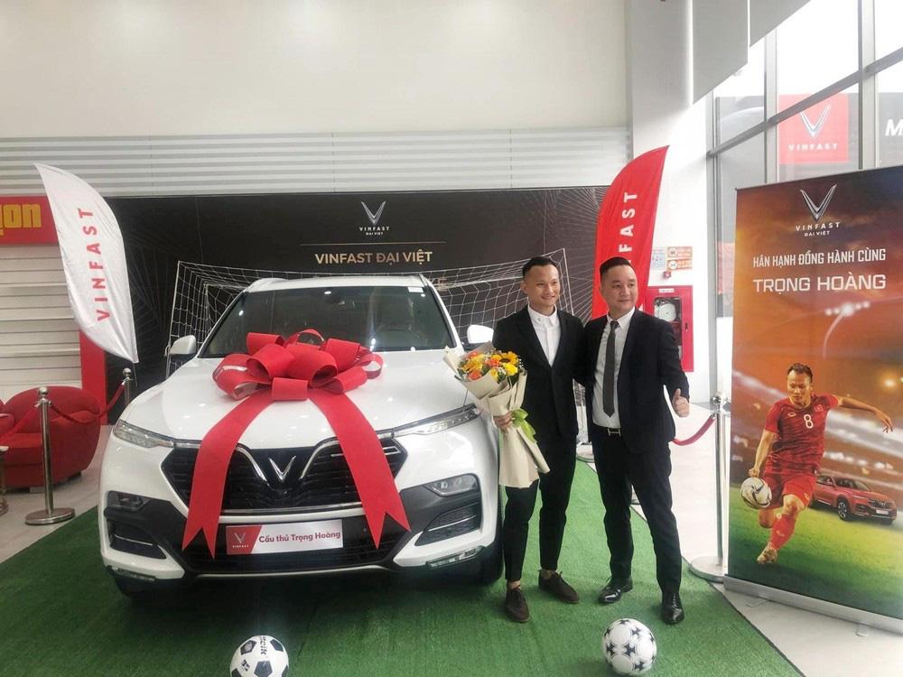 Cầu thủ khoẻ nhất ĐT Việt Nam tậu xe VinFast LUX SA2.0 - Ảnh 3.
