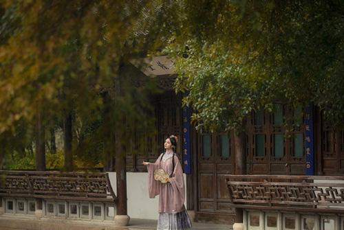Say mê kỹ nữ đẹp tựa thiên tiên, vị hoàng đế đào hầm từ cung điện đến lầu xanh để hưởng lạc - Ảnh 3.