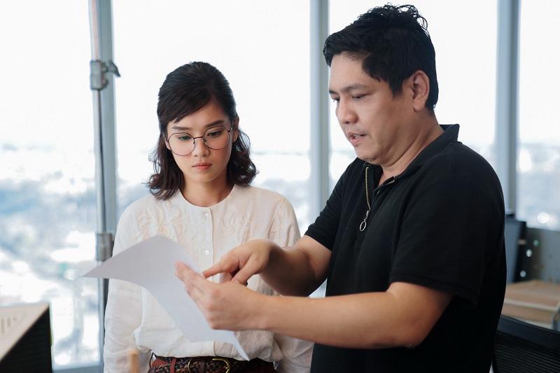 """Trần Ngọc Vàng, Karen Nguyễn nổi lên từ phim """"Người cần quên phải nhớ"""" - Ảnh 2."""