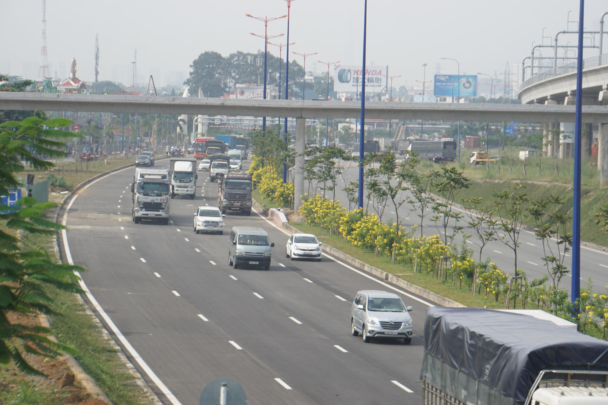 Xa lộ Hà Nội: Rút ngắn thời gian vận chuyển, tăng sức cạnh tranh cho doanh nghiệp - Ảnh 1.