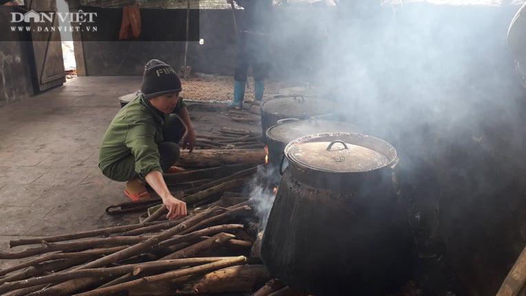 Nấu rượu bằng thứ men làm từ các loại lá cây trên rừng, giá bán cao hơn mà nhiều người vẫn thi nhau đặt mua - Ảnh 7.