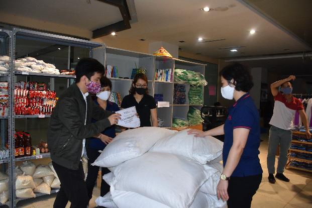 Công ty chứng khoán Tân Việt đồng hành sẻ chia với cộng đồng - Ảnh 2.
