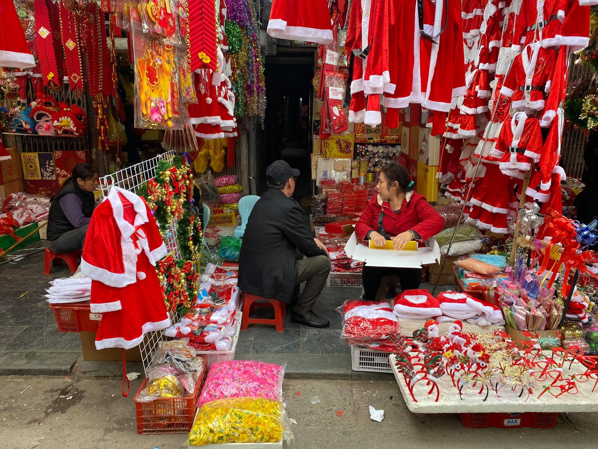 """Thị trường mùa Giáng sinh, lần đầu không """"đội giá"""" - Ảnh 1."""