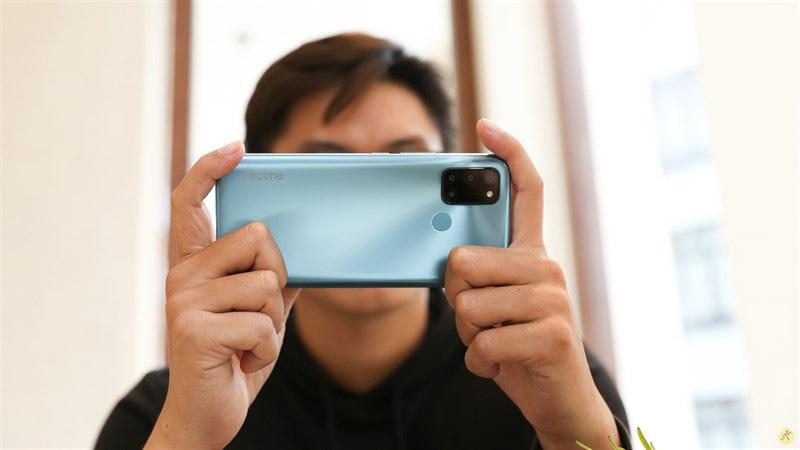 Những chiếc smartphone tầm giá 5 triệu mượt mà và chụp ảnh đỉnh cao - Ảnh 4.