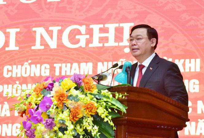 Ông Vương Đình Huệ: Luân chuyển cán bộ ở những vị trí nhạy cảm để phòng, chống tham nhũng - Ảnh 1.