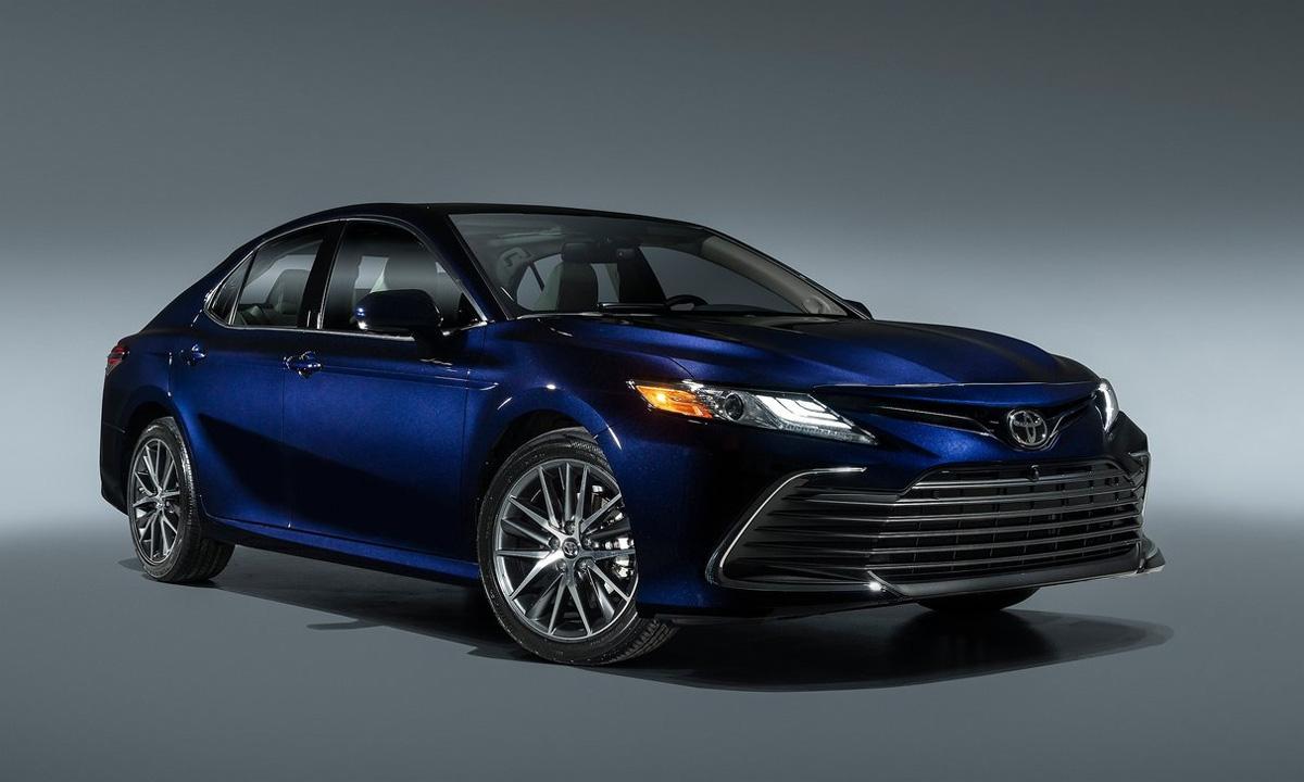 Toyota Camry 2021 có gì đặc biệt để đua với VinFast Lux A2.0? - Ảnh 1.
