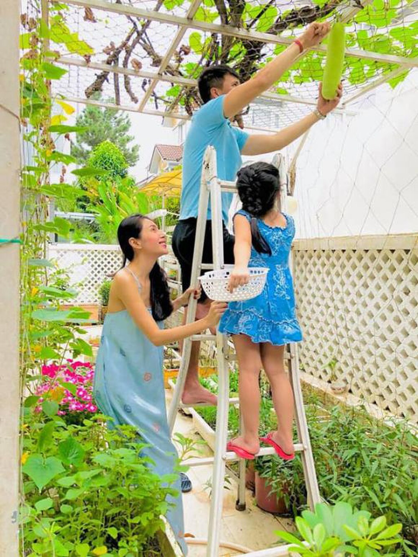 Thủy Tiên - Công Vinh tiết lộ kế hoạch sinh thêm con trong năm 2021 - Ảnh 1.