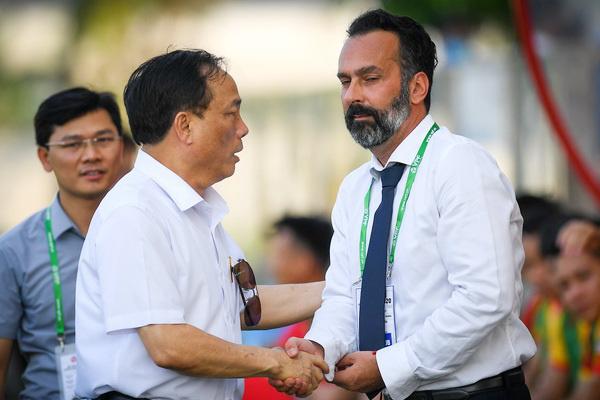 """Rời V.League 1 năm, cựu HLV Thanh Hóa vẫn """"ấm ức"""" với bầu Đệ - Ảnh 1."""