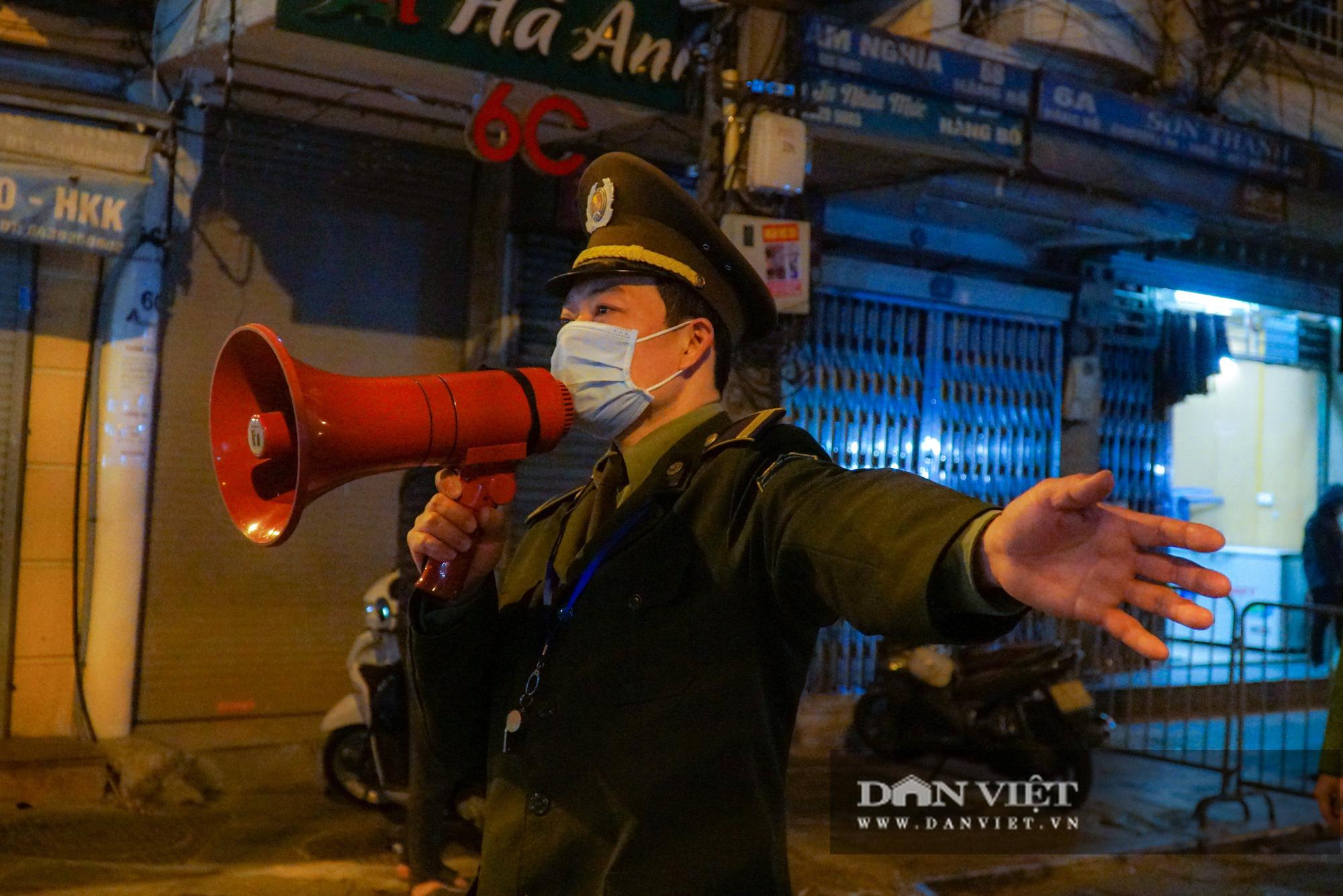 Dân phố cổ cảm thấy bất tiện khi Hà Nội mở rộng thêm 8 tuyến phố đi bộ - Ảnh 5.